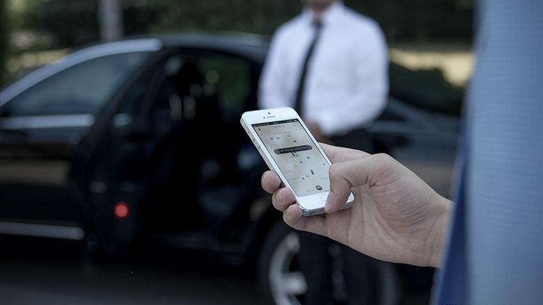 Uber-Chaffeure samt Edelkutsche lassen sich per Smartphone App ordern und bewerten. © Uber