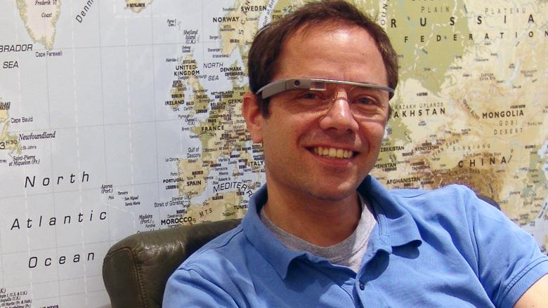 Der Wikitude-Gründer Philipp Breuss-Schneeweis mit Google Glass auf der Nase. © Philipp Breuss-Schneeweis