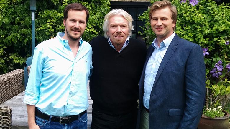Taavet Hinrikus und Kristo Käärmann mit Sir Richard Branson in ihrer Mitte. © TransferWise
