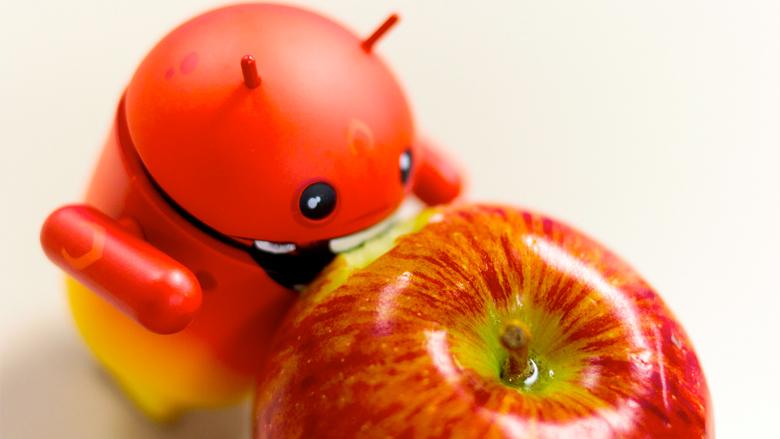 Wer beißt zuerst ab - Apple oder Google? © asgw (CC BY 2.0)