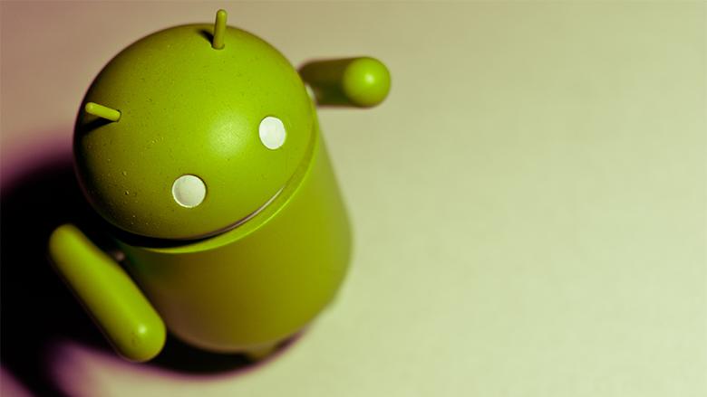 Das Android-Maskottchen, etwas unsicher über seine Zukunft. © Scott Akerman (CC BY 2.0)