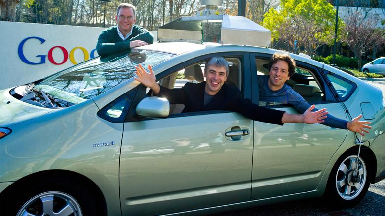 Das Google-Triumvirat Eric Schmidt, Sergej Brin und Larry Page erfreuten sich 2011 an einem selbstfahrenden Auto. © Google